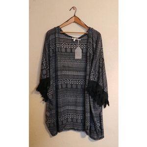 Hem & Thread Black & Gray Fringed Kimono